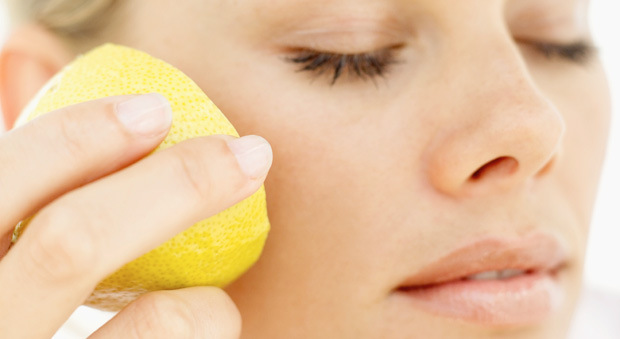 Ways To Get Beautiful With Lemon Juice