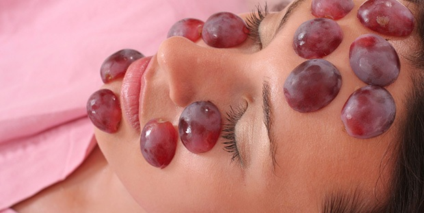 3 Grape Face Masks For Wrinkle-Free Skin