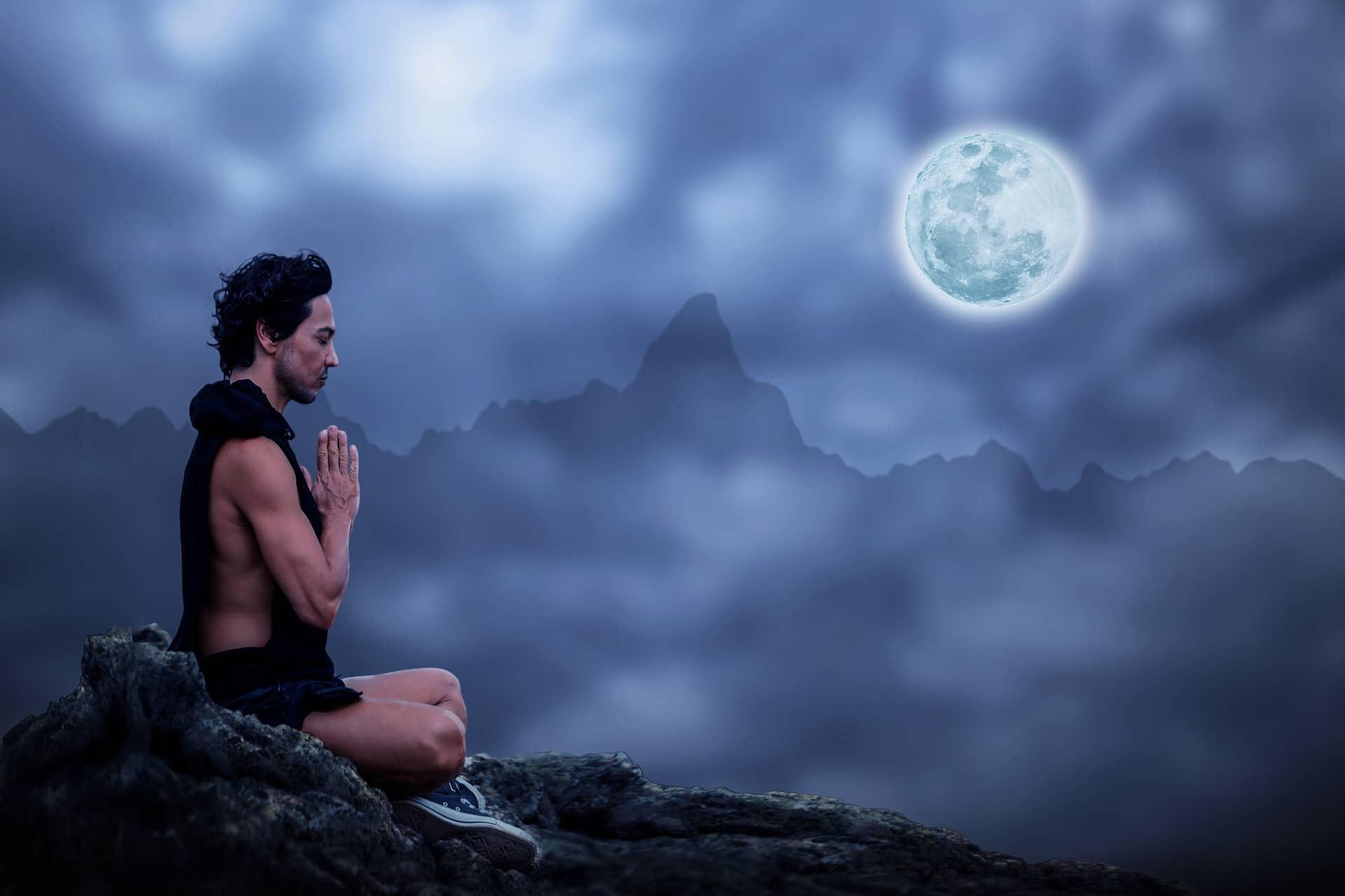 meditation-2717462_1920-min